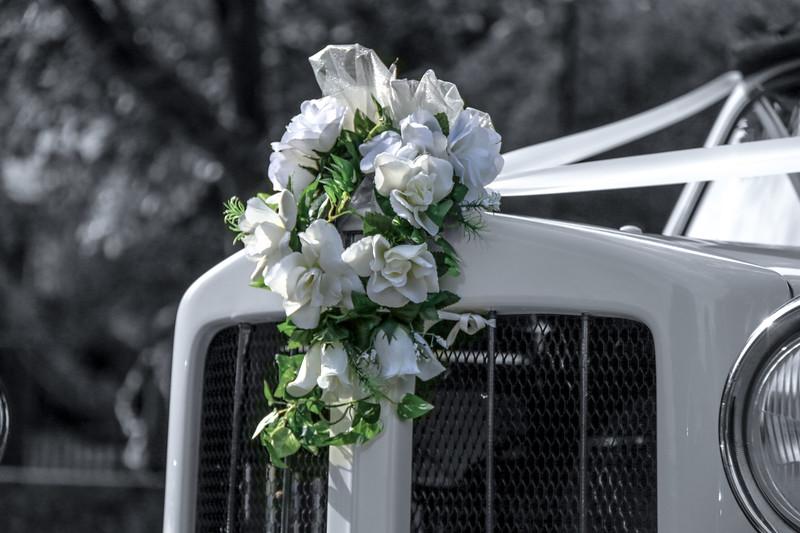 Flowers on the wedding car  2.jpg