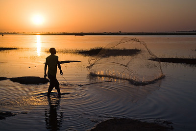 Net Fishing / Segoukoro, Niger River, Mali
