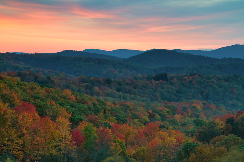 MIddle Mountain Sunset 8633LP