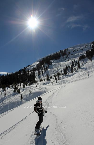 Bluebird snowboarding<br /> Vail, Colorado