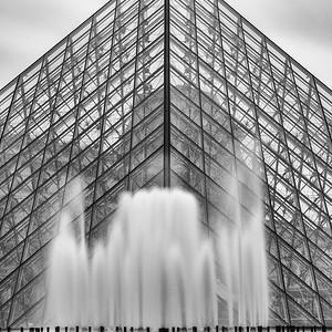 Fontaine de la Pyramide