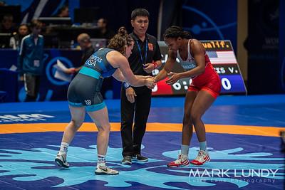 Champ. Round 1: Victoria Christine Francis (United States) over Dejah Aniela Slater (Canada)  •  Fall 2:30 - 2019 World Championships