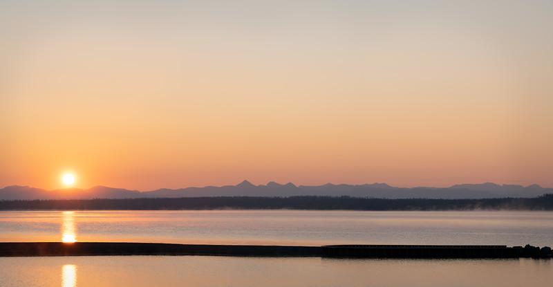 Sunrise Over the Absarokas || Yellowstone Lake