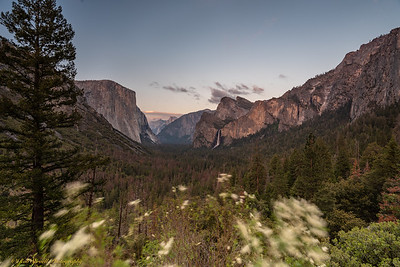 Yosemite Valley at Tunnel View