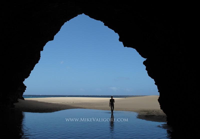 Kalalau beach cave<br /> Na Pali coast, Kauai