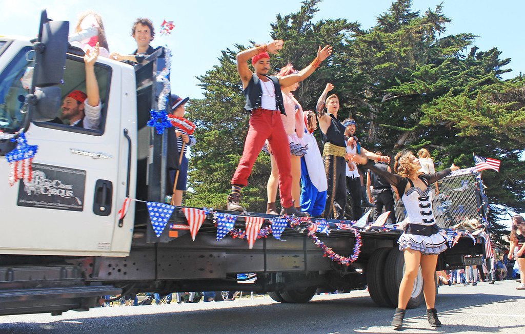 . Flynn Creek Circus\' crew invited all to their performance following the parade.