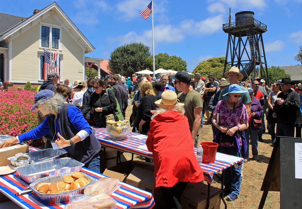 . The Kelley House\'s barbecue was well-attended.