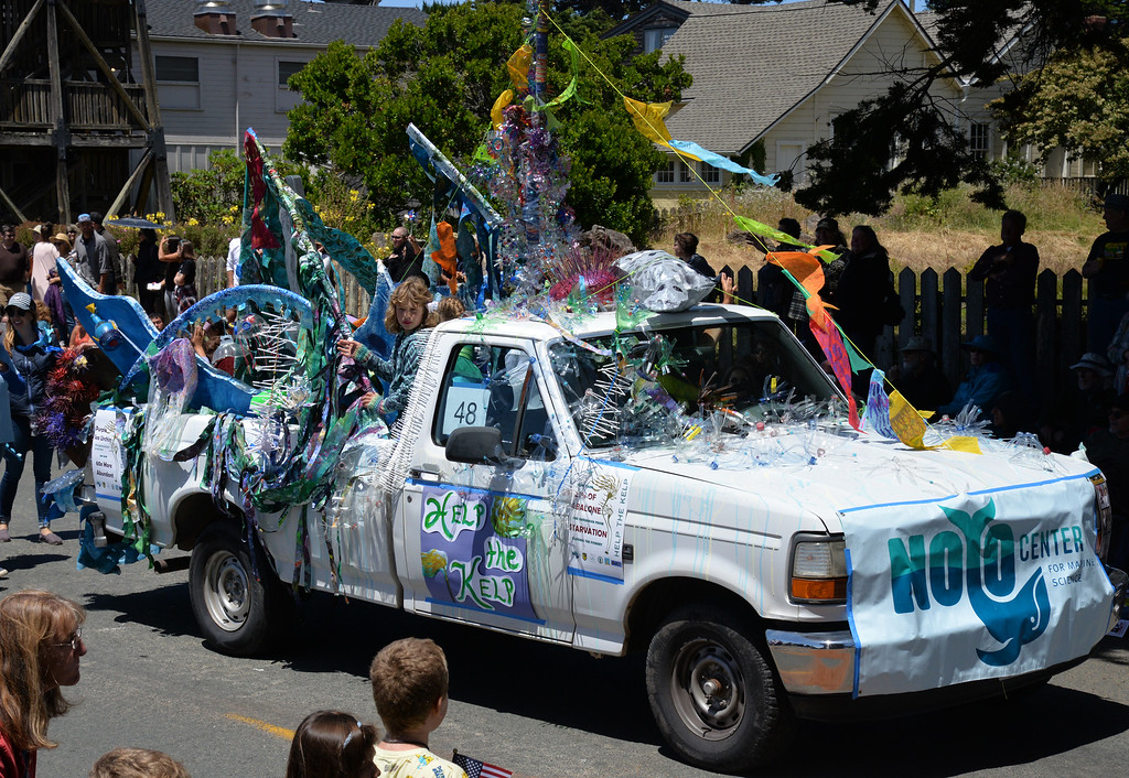 . Noyo Center for Marine Science\'s entry won best creative float.