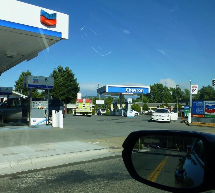 . Briceland FD in Willits, Mendocino County (Ranch Fire smoke in background) 072818-SA Colletta