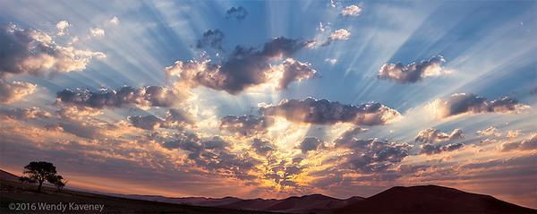 Godbeams at Sunset