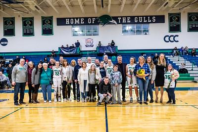 Endicott College Women's Baksetball honors their 4 seniors on senior day.