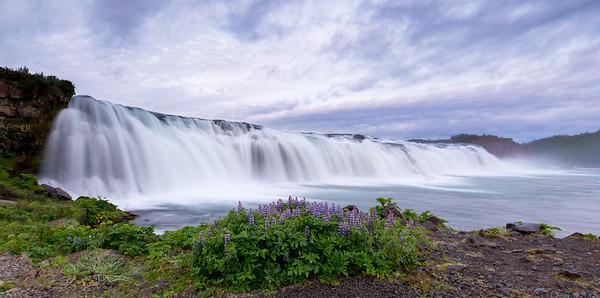 1:00am Waterfall