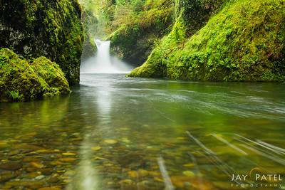 Punch Bowl Falls, Columbia River Gorge, Oregon (OR), USA