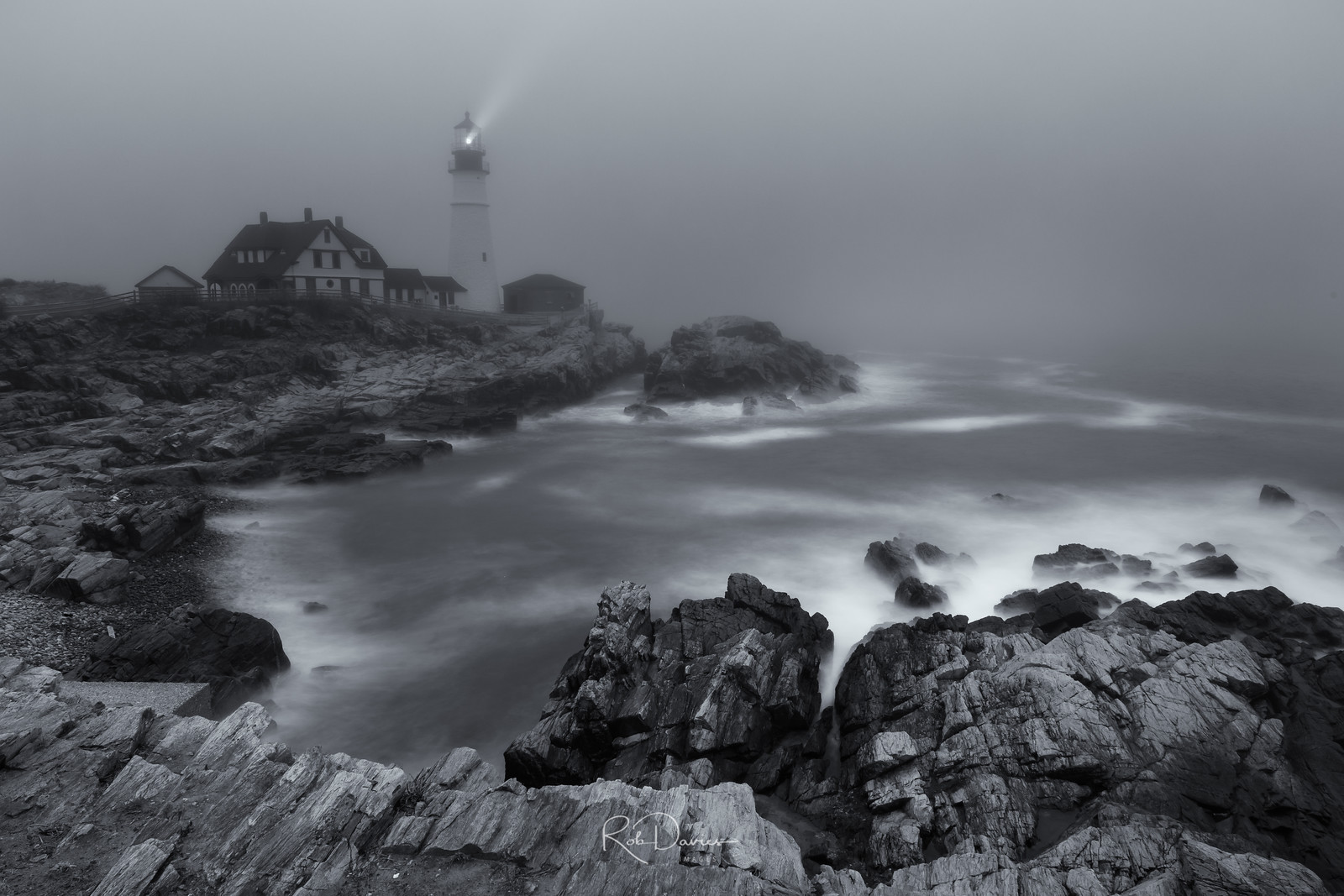 Portland Lighthouse in the fog - final image
