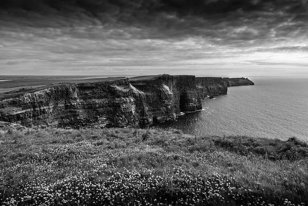 Cliffs of Moher, BW
