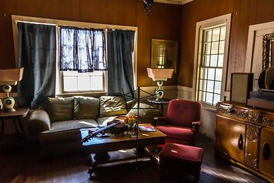 "A ""sitting room"""