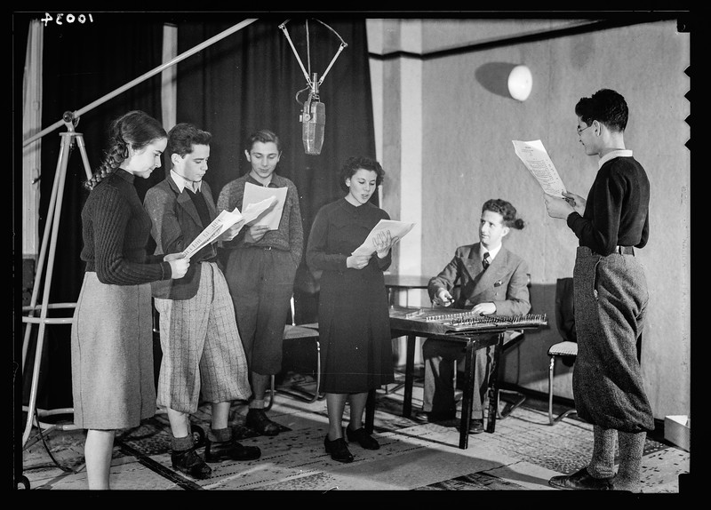 Palestine Broadcasting Service broadcasting the Hebrew children hour.  1934-1939