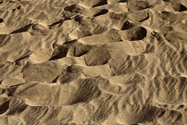 Mesquite Dunes #0319  Footprint patterns.