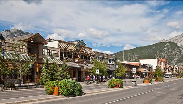 Downtown Banff (Alberta, Canada)
