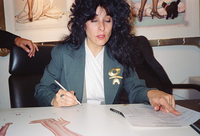 Olivia: Let Them Eat Cheesecake Poster Signing, Los Angeles, 1990 - 2 of 4