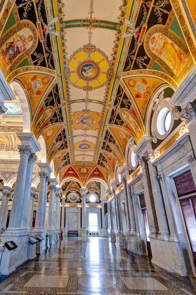 Halls of Influence<br /> More than 40 painters and sculptors decorated the facade and interior of the Jefferson Building.