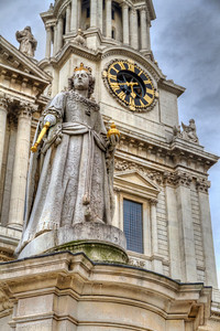 Queen Anne's Statue