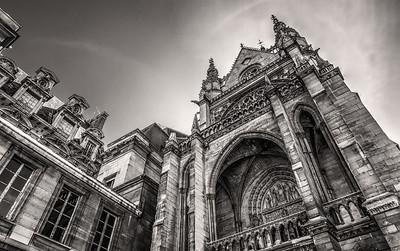 La Sainte-Chapelle, A Contrast in Design