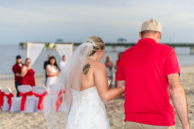 VBWC BEIL 09042019 Buckroe Beach Wedding Image #19 (C) Robert Hamm