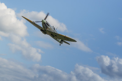 Spitfire turning at the Victory Show 2019