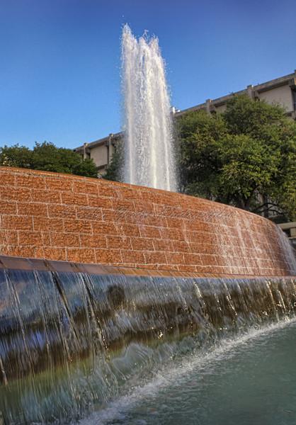 UT (University of Texas) Fountain