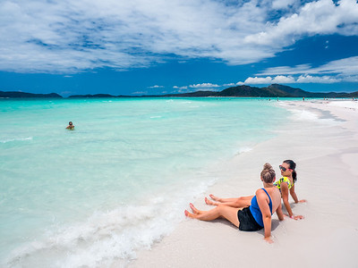 Relaxing on Whitehaven Beach in the Whitsundays