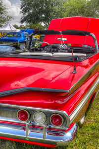 Flat Fins The late fifties and early sixties were a special era in the automotive design field. Cars everywhere were growing bullet taillights, tail fins and other extremities.
