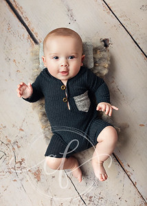 Baby boy 3-5 Month Photoshoot