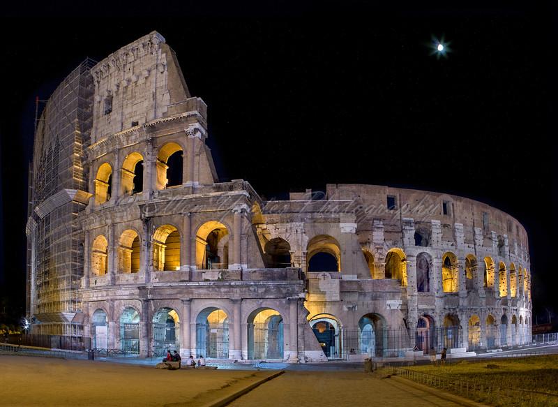 Roman Colosseum - Rome Italy