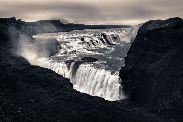 Dark Falls.