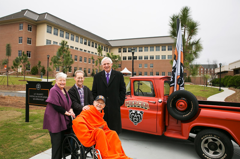 AV Elliott, family and President Underwood