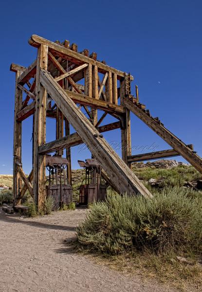 <b>Old mining equipment