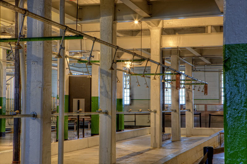 Alcatraz - Jail - Shower Room