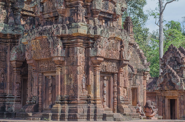 Banteay Srei is a Hindu temple dedicated to Shiva