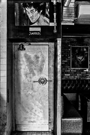 Canvas Bar