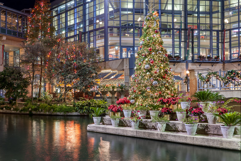 The River Center Mall at Christmas