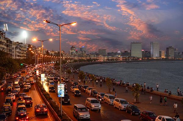 Mumbai's grand sunset at Marine-Drive