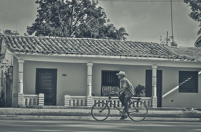 bike rider in Viñales