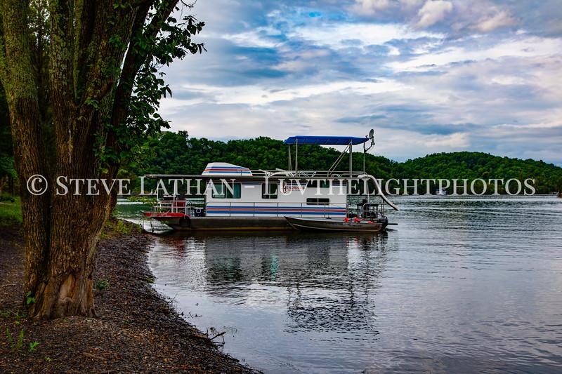 Houseboat21.jpg