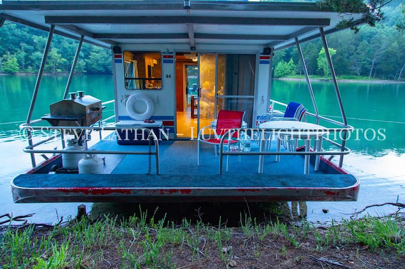 Houseboat7.jpg