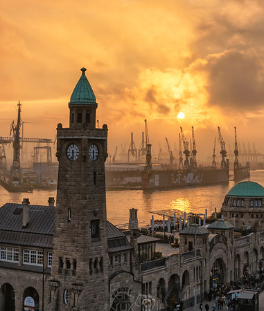 Spectacular sky in the port of Hamburg | Germany | Europe