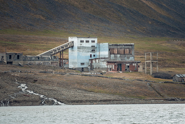 Abandoned buildings and Lost Places in the Arctic Sea | Spitsbergen | Longyearbyen | Norway | Europe