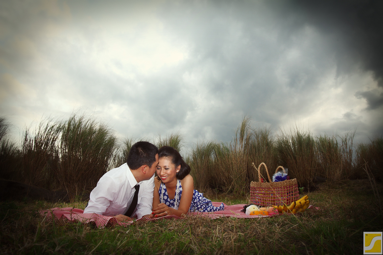 Vintage themed pre wedding shoot on location.