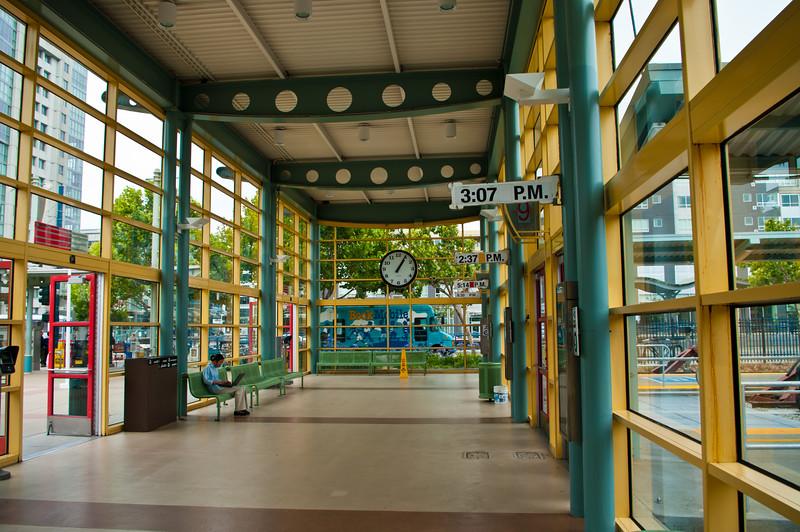 Station, 1'05