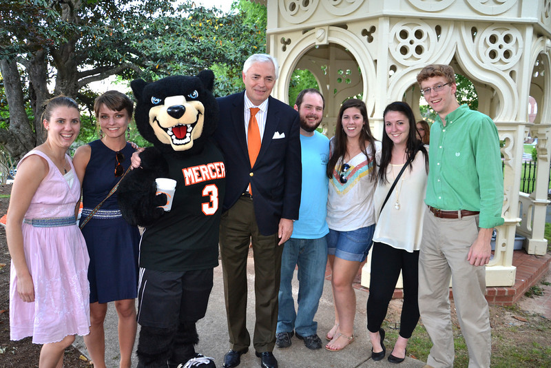Alumni with President Underwood and Toby
